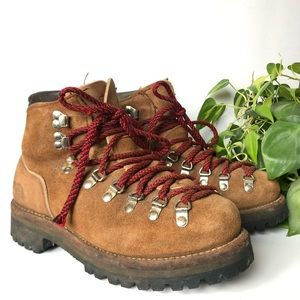 Heavy Duty Mountain Lace Up Leather Boots